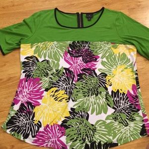 Great condition shirt with palm leave design